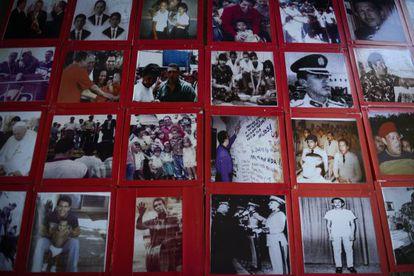 Exposición sobre la vida de Hugo Chávez en el centro cultural de Sabaneta, en Barinas.