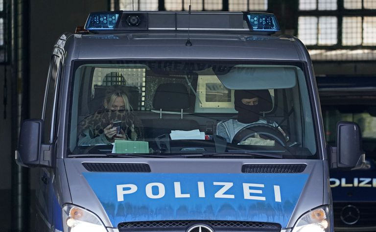 Un coche de la policía alemana, este miércoles en Karlsruhe.