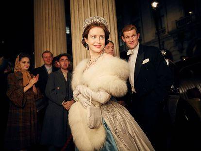 La actriz Claire Foy en su papel de la reina Isabel II en la serie 'The Crown'.