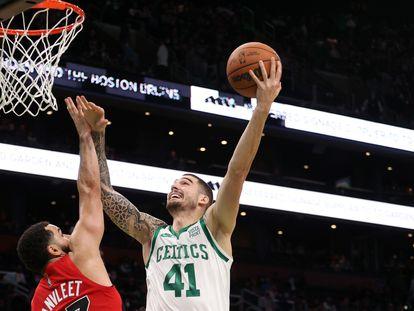 Juancho Hernangómez, en su debut con los Celtics