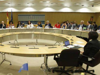 La ministras de Hacienda, María Jesús Montero, y la de Política Territorial y Función Pública, Meritxell Batet, presiden el Consejo de Política Fiscal y Financiera.