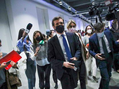 El líder del Partido Popular, Pablo Casado, a su llegada a un acto en la Fundación Telefónica en Madrid, este viernes.