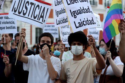Protesta en la Puerta del Sol de Madrid contra la LGTBIfobia.