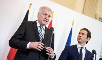 El ministro del Interior alemán, Horst Seehofer, y el canciller austriaco, Sebastian Kurz, en Viena.