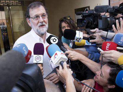 Rajoy, ante el Registro de Santa Pola.