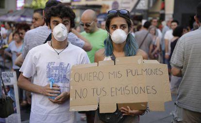 Manifestantes en la manifestación a favor de Madrid Central.