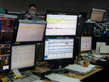 'Brokers' surcoreanos, este jueves.
