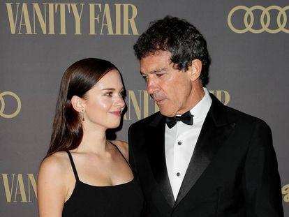 Antonio Banderas y su hija Stella del Carmen en los premios de la revista Vanity Fair, el pasado lunes.