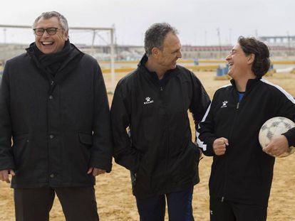 Michael Robinson, Joaquín Caparrós y Raúl Ruiz en 'Caos FC'.
