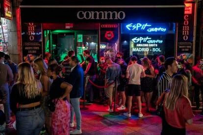 Un bar del centro de Madrid el 26 de junio, la primera semana que se reabrió el ocio nocturno.