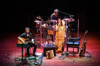 Maria del Mar Bonet en un concierto con Borja Penalba, en octubre.