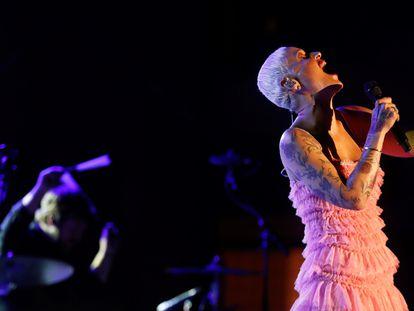 La cantante Mariza Nunes en un momento de su actuación este sábado durante la 55ª edición del Festival de Jazz de San Sebastián.