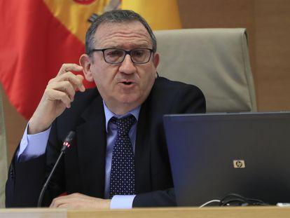 El presidente del Sindicato de Técnicos del Ministerio de Hacienda (Gestha), Carlos Cruzado Catalán, en una comparecencia en junio.