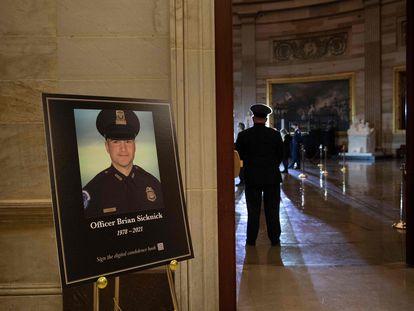 La ceremonia en honor al policía Brian Sicknick, en una imagen del 2 de febrero pasado en el Capitolio.