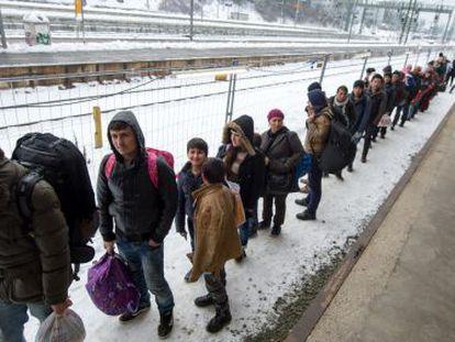 Refugiados en la estación de trenes de Passau, Alemania, el pasado martes.