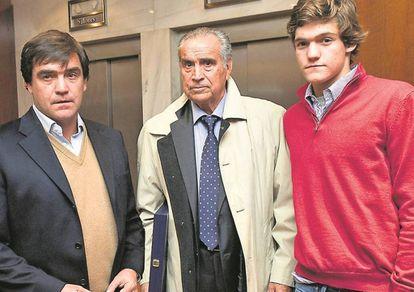 Las tres generaciones de Marcos Alonso (padre, abuelo e hijo).
