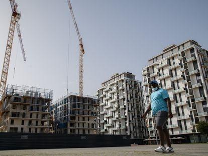 Edificios en construcción en Mislata, municipio del área metropolitana de Valencia.
