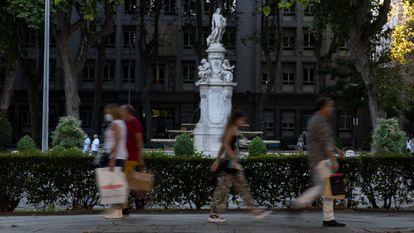 El paseo del Prado de Madrid, en julio.