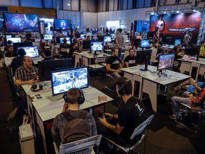 Varios jugadores de esports en la Madrid Gaming Experience.
