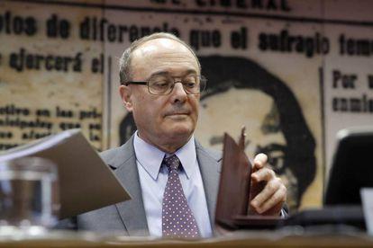 El gobernador del Banco de España, Luis María Linde, en el Senado.