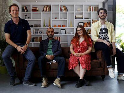 Los profesores Mark Polko y Antonio Pérez y los 'youtubers' Andrea Izquierdo (Andreo Rowling) y José Luis Crespo (Quantum Fracture).