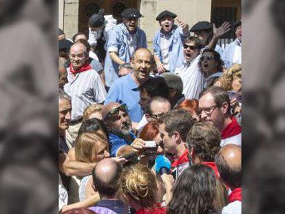 El nuevo presidente del PP asegura que admira a Alfonso Alonso, y se pone a su disposición pese a que apoyó a Soraya Sáenz de Santamaría