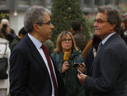 Francesc Homs habla con Artur Mas.