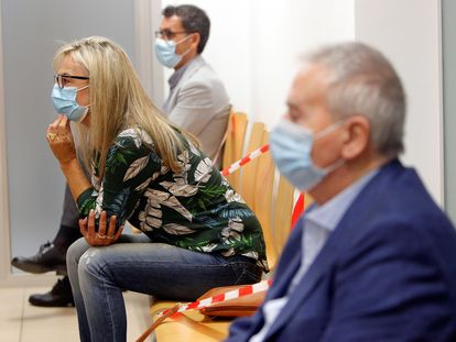 Los exalcaldes de Alicante, Sonia Castedo y Luis Díaz Alperi, durante la celebración del juicio por el presunto amaño del Plan General de Urbanismo (PGOU) de la ciudad de Alicante.