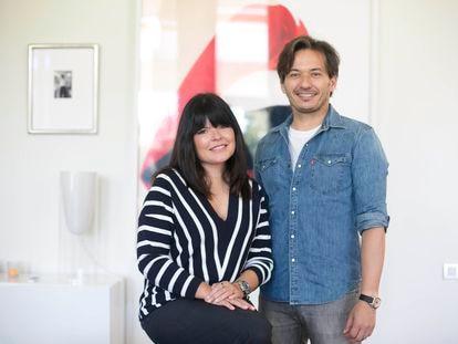 Alberto y Laura Caballero, creadores, productores y directores de 'La que se avecina', en su casa de Madrid la semana pasada.