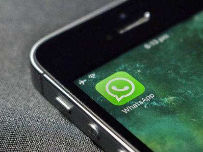 La aplicación WhatsApp descargada en un teléfono móvil, en una foto de archivo.