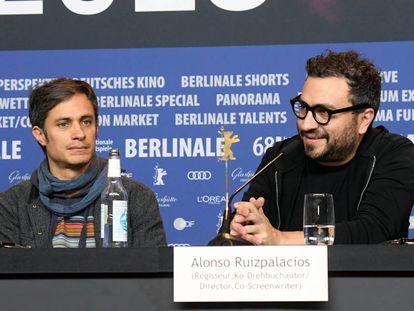 Gael García Bernal y Alonso Ruizpalacios, durante la rueda de prensa de 'Museo'.
