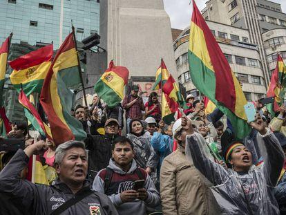 Miles de personas protestan en La Paz, durante las revueltas de noviembre.