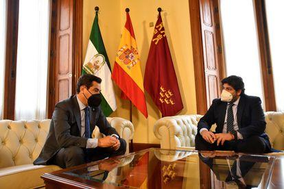 Firma de la declaración en defensa del trasvase de los presidentes de Andalucía y Murcia.