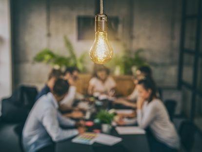 El diseño de servicios se enmarca en la tendencia actual de colocar al consumidor en el centro de la actividad empresarial, una estrategia conocida por su nombre en inglés: 'customer centric'.