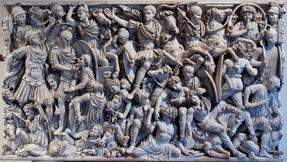 Combat of Romans and barbarians in the Ludovisi sarcophagus, in Rome.