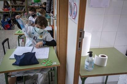 Alumnos en un colegio público de Valencia la semana pasada.