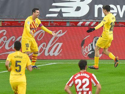 Messi (izquierda) celebra con Pedri su primer gol este miércoles en San Mamés ante el Athletic.