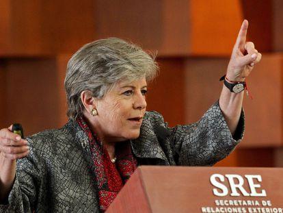 La secretaria ejecutiva de la Cepal, Alicia Bárcena, durante la presentación del plan este viernes en Ciudad de México.