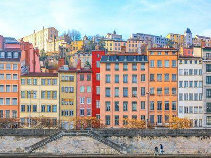 Vistas de Lyon desde el río Saona.