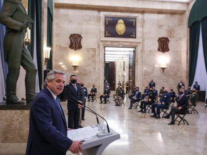 Alberto Fernández pronuncia un discurso durante el encuentro anual de Camaradería de las Fuerzas Armadas, el pasado 22 de julio en Buenos Aires.