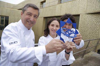 The chefs Joan Roca, Elena Arzak and Gastón Acurio, at the presentation of the Basque Culinary world award.