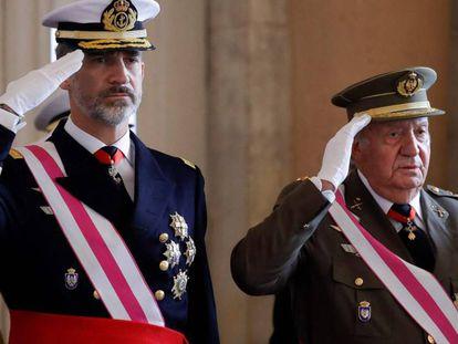 Felipe VI y Juan Carlos I, durante la Pascua Militar de 2018.