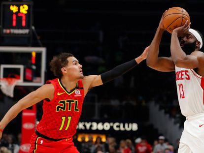 James Harden lanza ante Trae Youg en un Hawks-Rockets.