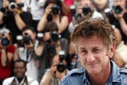 El actor Sean Penn durante la presentación de 'This Must Be The Place', dirigida por Paolo Sorrentino, donde interpreta al líder de una banda de rock.