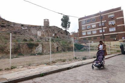 Una de las cuatro parcelas que el Ayuntamiento quiere construir bajo el cerro del Molinete, en Cartagena.