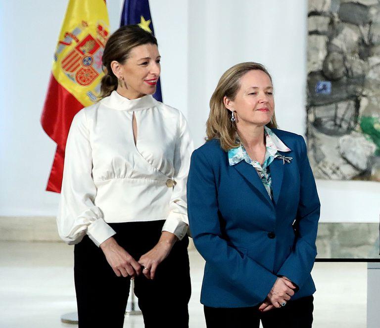 Las ministras de Trabajo y Asuntos Económicos, Yolanda Díaz y Nadia Calviño, en enero en Madrid.