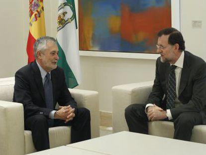El presidente del Gobierno, Mariano Rajoy, recibe al presidente de la Junta de Andalucía, José Antonio Griñán.