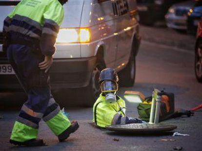 Más de seiscientos agentes de los Mossos d Esquadra registran simultáneamente 30 domicilios