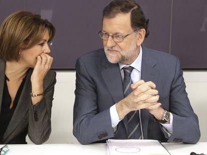 María Dolores de Cospedal y Mariano Rajoy, en una reunión de la ejecutiva del PP en 2016.