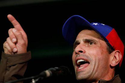 El opositor venezolano Henrique Capriles durante una conferencia de prensa el año pasado.